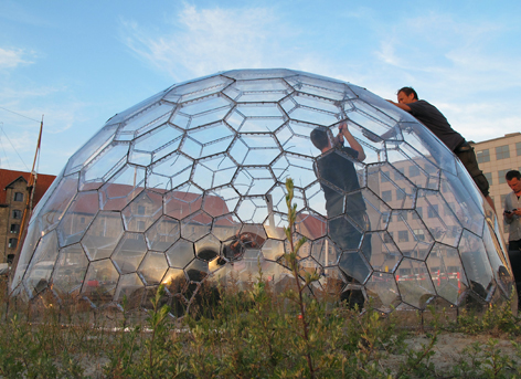 "This ""Spaceplate"" Greenhouse by N55 is awesome"